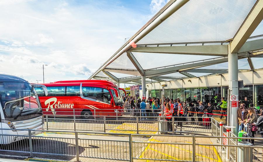 bussar stansted - Till och från flygplatsen