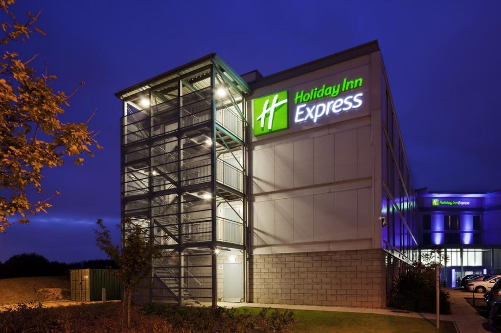 holiday inn express stansted 1024x682 - Hotell vid London Stansted
